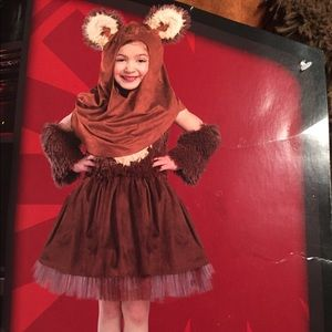 Other - Girls Large Wicket costume!